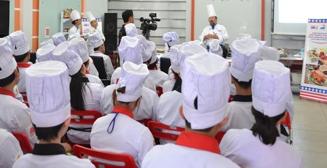 Đào tạo bếp trưởng tại Hội Đầu Bếp Á Âu