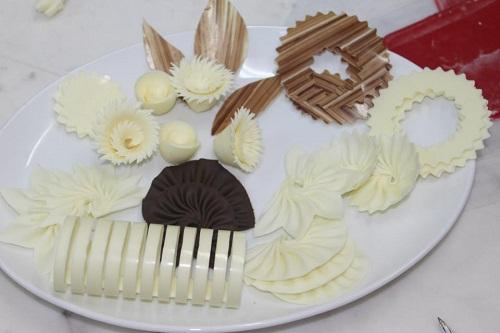 Tạo hình chocolate